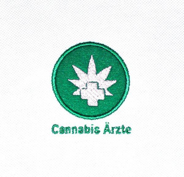 Cannabis Ärzte Poloshirt Logo gestickt